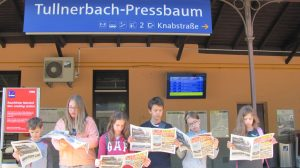 Helyi német lapot olvasgató SCA-sok